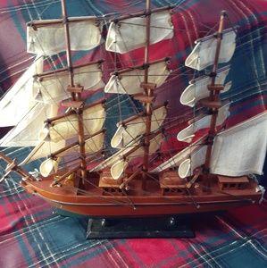 Vintage sail boat (come all collectors)